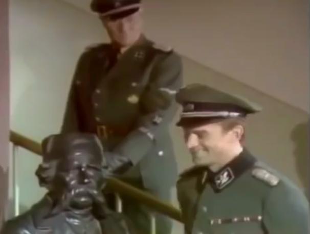 Na putu izdaje (1976)