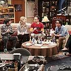 Kaley Cuoco, Johnny Galecki, Simon Helberg, Jim Parsons, Riki Lindhome, and Kunal Nayyar in The Big Bang Theory (2007)