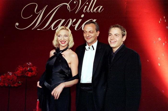 Barbara Vickovic, Cedo Martinic, and Sven Madzarevic in Villa Maria (2004)