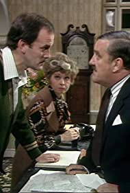 John Cleese, Bernard Cribbins, and Prunella Scales in Fawlty Towers (1975)
