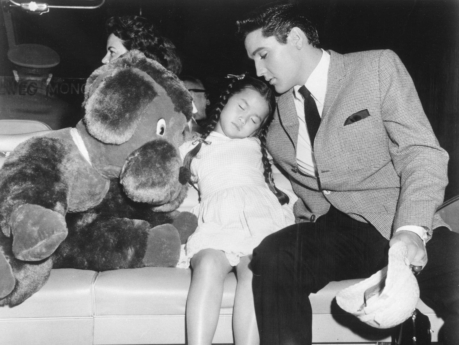 Elvis Presley and Vicky Tiu in It Happened at the World's Fair (1963)