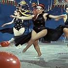 Mia trelli... trelli oikogeneia (1965)