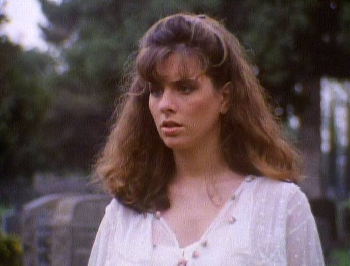 Ena O'Rourke in Molly and the Ghost (1991)