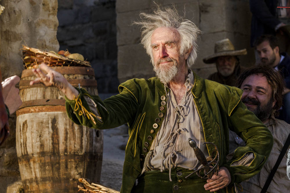 Jonathan Pryce and Jorge Calvo in The Man Who Killed Don Quixote (2018)