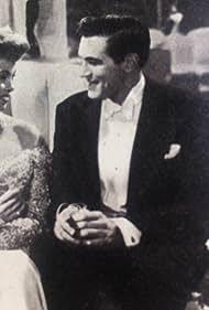 Yolande Donlan and John McCallum in Traveller's Joy (1950)