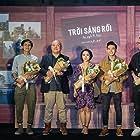 Troi Sang Roi, Ta Ngu Di Thoi (2019)