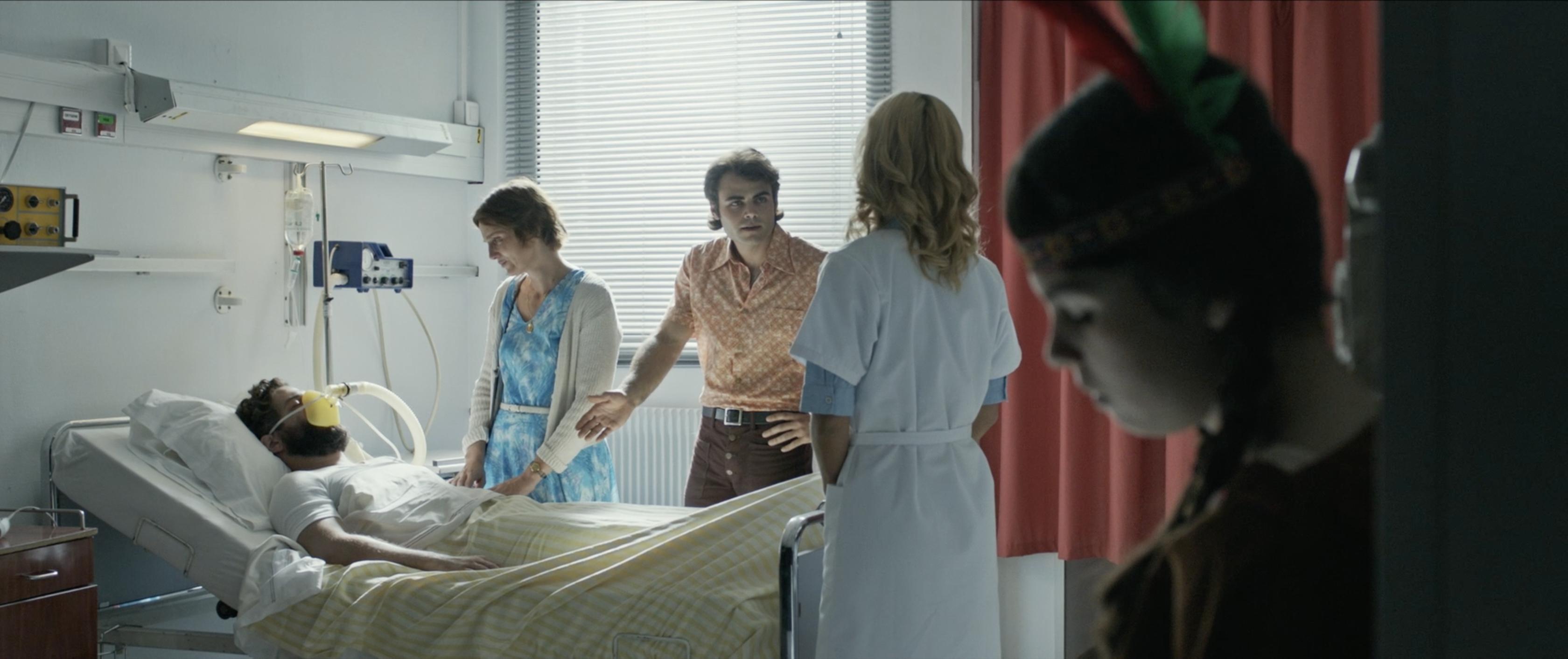 Beatriz Batarda, Nuno Lopes, Thomas Brazete, and Naomi Biton in Menina (2017)