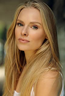 Clementine Nicholson New Picture - Celebrity Forum, News, Rumors, Gossip