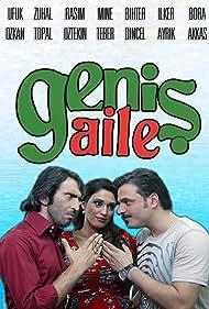 Firat Tanis, Ufuk Özkan, and Zuhal Topal in Genis Aile (2009)