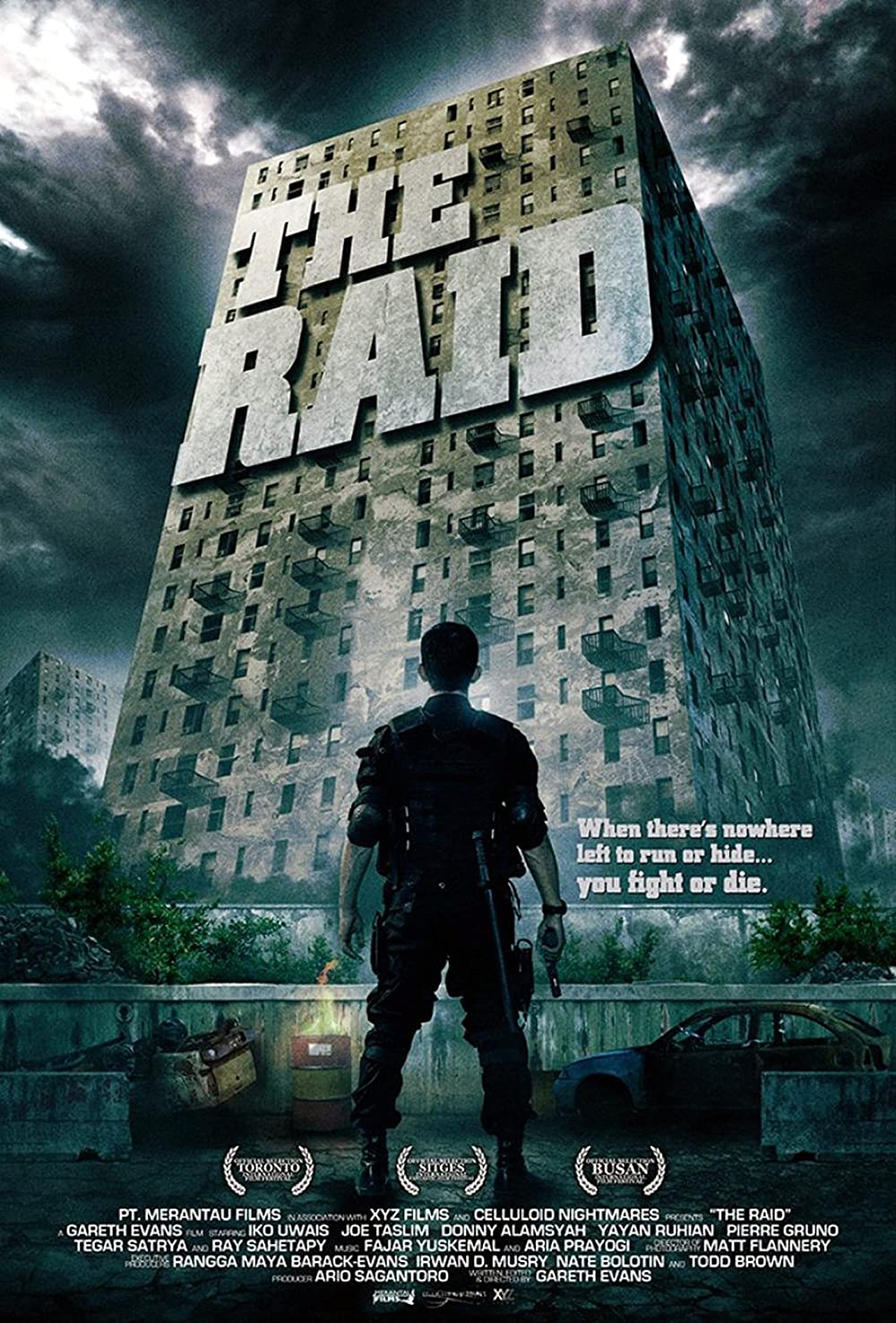 The Raid Redemption 2011 Dual Audio Hindi 390MB BluRay ESub Download