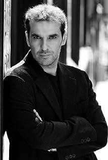 Luis Merlo Picture