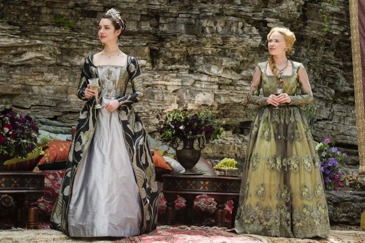 Adelaide Kane and Celina Sinden in Reign (2013)