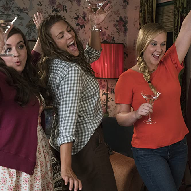 Busy Philipps, Amy Schumer, and Aidy Bryant in I Feel Pretty (2018)