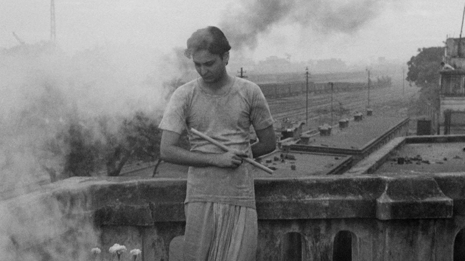 Apur Sansar'da Soumitra Chatterjee (1959)