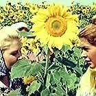 T. Galukh in Pervyy paren (1959)