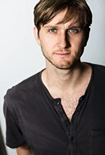 Aaron Staton Picture