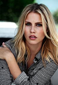 Primary photo for Claire Holt