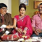Sanjay Narvekar, Resham Tipnis, and Atul Parchure in Be Dune Saade Chaar (2009)
