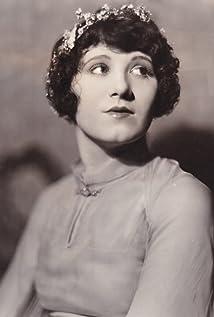 Estelle Clark Picture