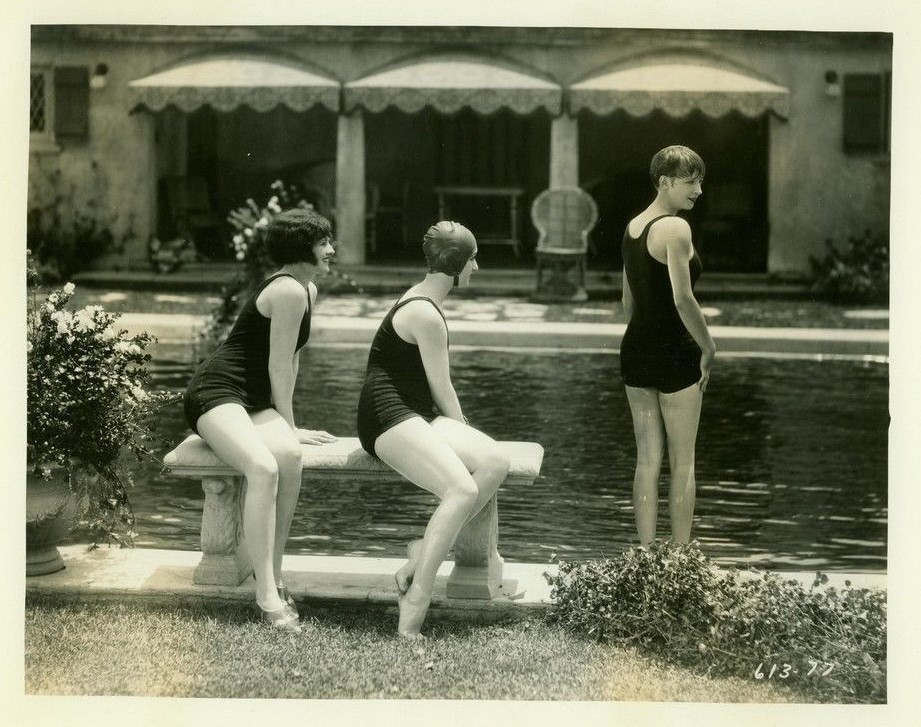 Clara Bow, Billie Dove, and Natalie Kingston in Kid Boots (1926)