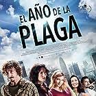 Canco Rodríguez, Ana Serradilla, Miriam Giovanelli, Ivan Massagué, Sílvia Abril, and Brays Efe in El año de la plaga (2018)