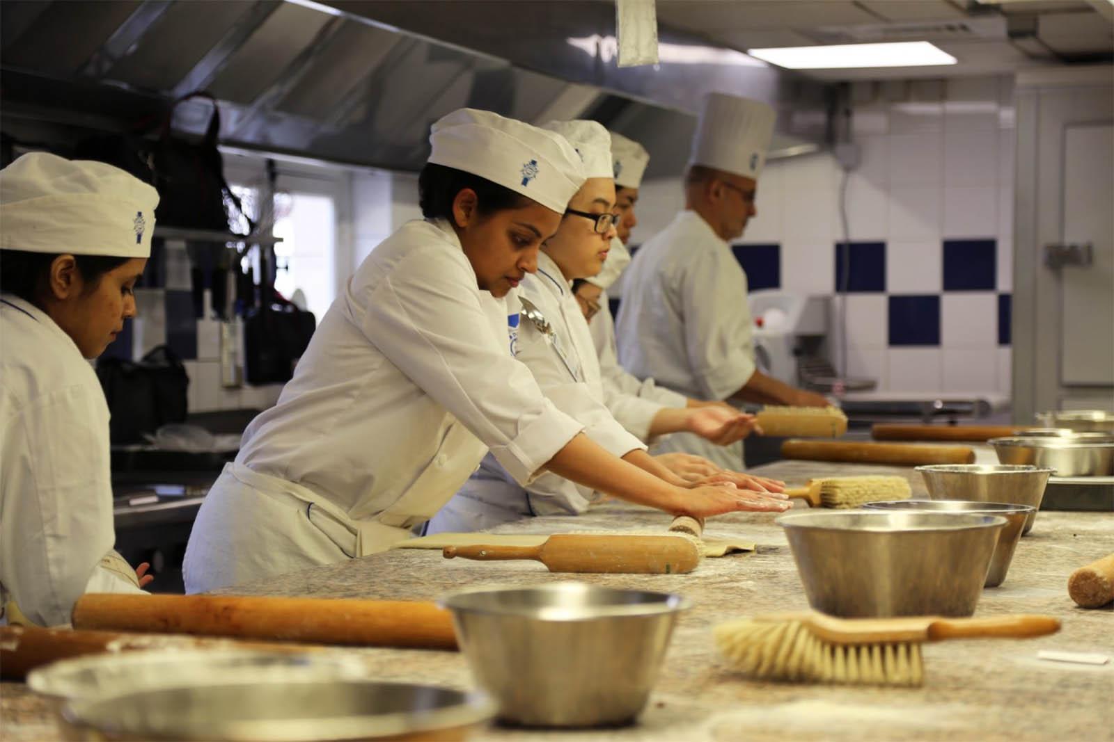 a la recherche femmes chefs