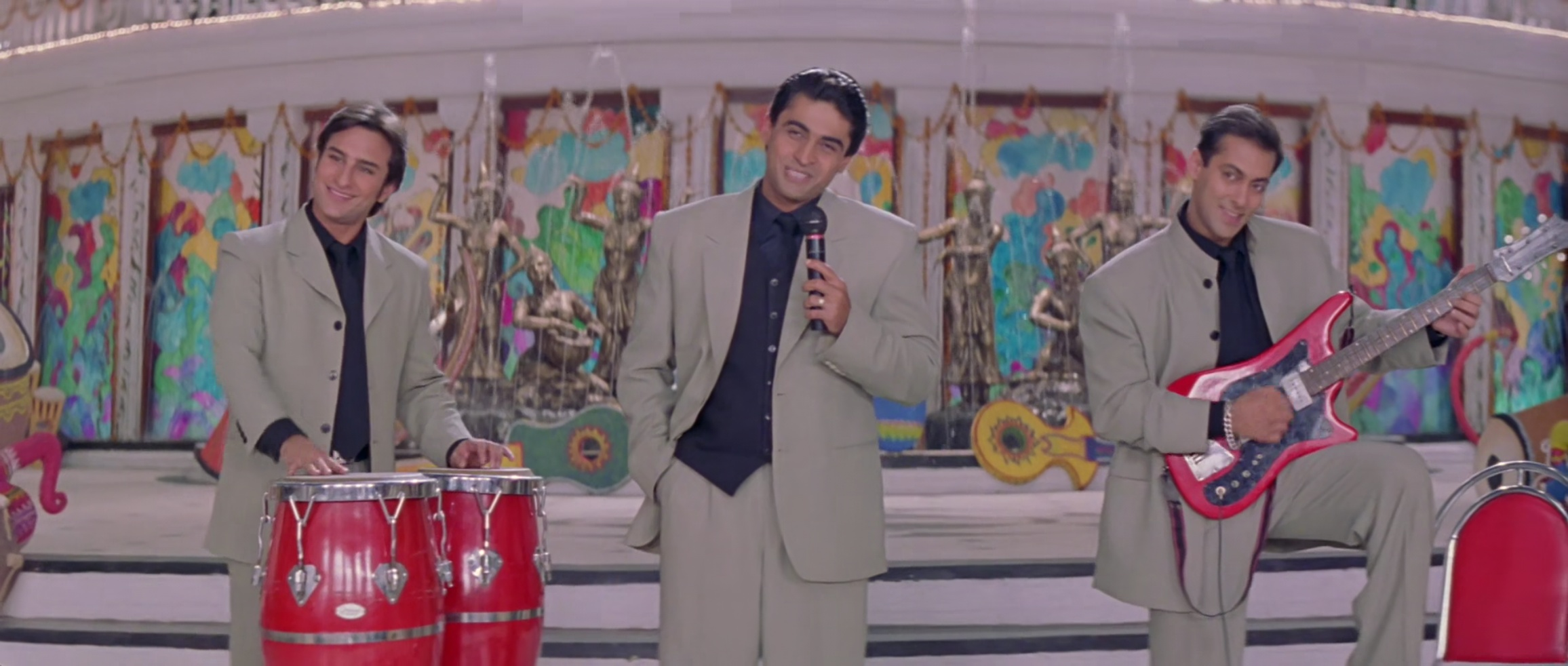 Salman Khan, Mohnish Bahl, and Saif Ali Khan in Hum Saath-Saath Hain (1999)