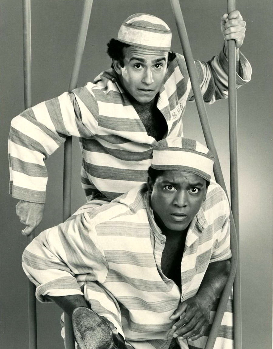 Joe Guzaldo and Larry Riley in Stir Crazy (1985)