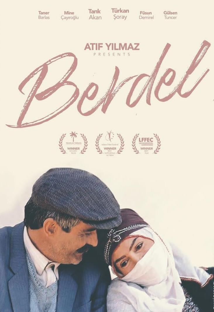 Tarik Akan and Türkan Soray in Berdel (1990)