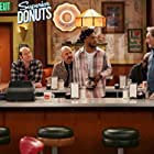 Judd Hirsch, Maz Jobrani, David Koechner, Jermaine Fowler, Rell Battle, and Diane Guerrero in Superior Donuts (2017)