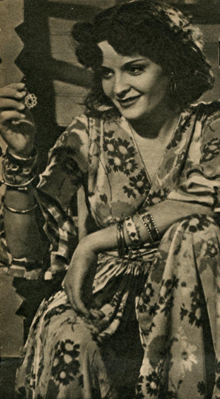 Madeleine Sologne in Le Danube bleu (1940)