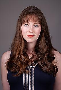 Maggie Lovitt Picture