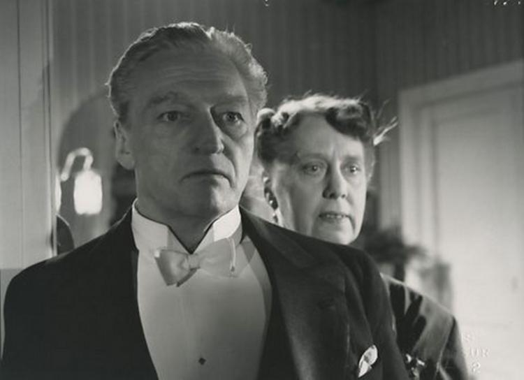Johannes Meyer and Agnes Phister-Andresen in Det sande ansigt (1951)