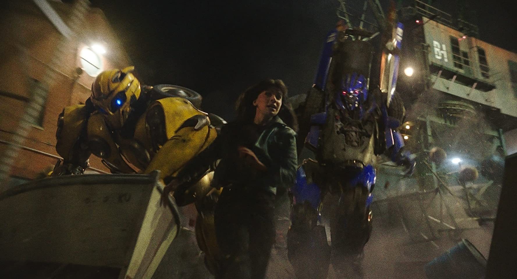 Justin Theroux, Hailee Steinfeld, and Dylan O'Brien in Bumblebee (2018)