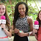 Mikayla Shae Chapman, Shayna Brooke Chapman, and Nia Sioux in Q N' A with Mikki and Shay (2011)