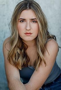 Hadley Belle Miller Picture