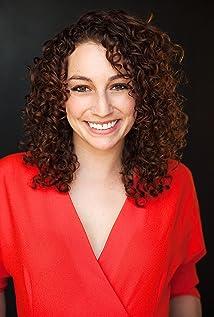 Hilary Schwartz Picture