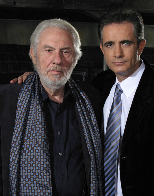 Socrates Alafouzos and Giorgos Mihalakopoulos in O pseftis pappous (2008)