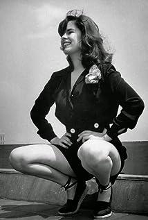 Oona Chaplin Picture