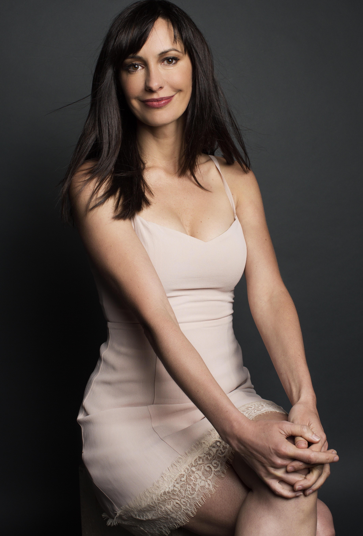 Amoia sexy charlene