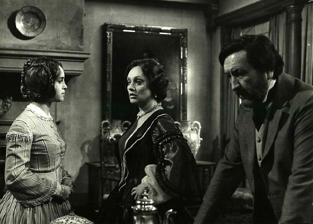 Isabella Goldman, Paola Mannoni, and Renato Mori in Quell'antico amore (1981)