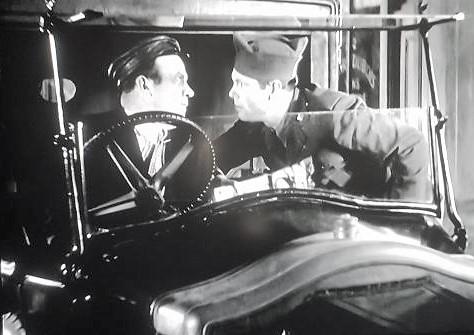 Tom Keene and Edgar Kennedy in Cross Fire (1933)