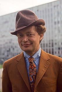 Ernst-Hugo Järegård Picture