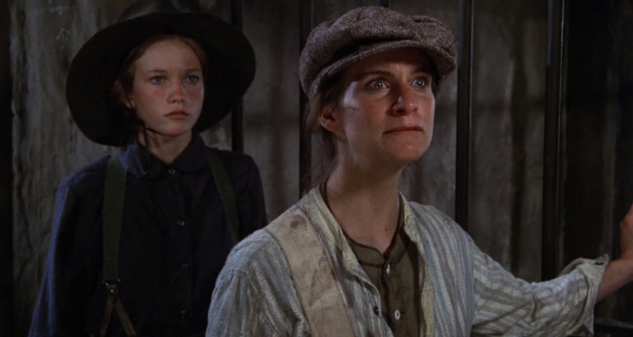 Diane Lane and Amanda Plummer in Cattle Annie and Little Britches (1980)