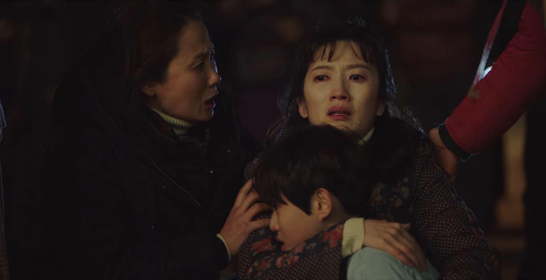 Oh Han-Kyul, Jang So-Yeon, and Kim Sun-Young in Crash Landing on You (2019)