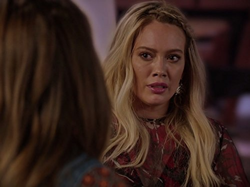 Hilary Duff and Sutton Foster in Younger (2015)