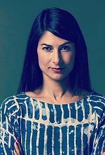 Anjali Nayar Picture