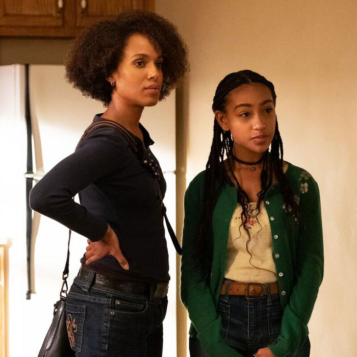 Kerry Washington and Lexi Underwood in The Spark (2020)
