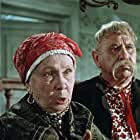Anna Kushnirenko and Nikolay Yakovchenko in Za dvoma zaytsiamy (1961)