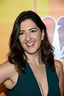 D'Arcy Carden Picture